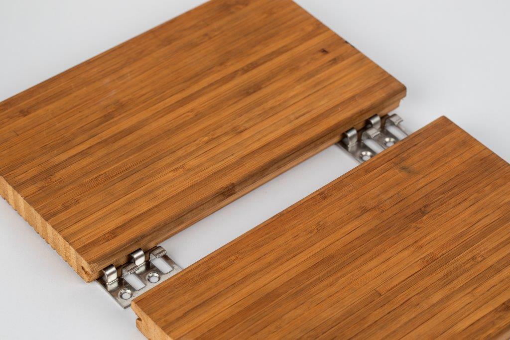 Particolare delle clip progettate per il fissaggio deck