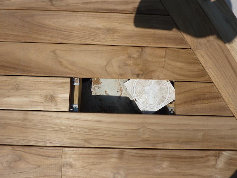 Il sistema di fissaggio con clip permette agevolmente l'ispezione di pozzetti